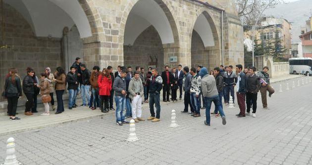 Yeni öğrencilere şehir turu
