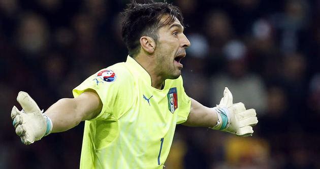 Juventus'ta çifte imza