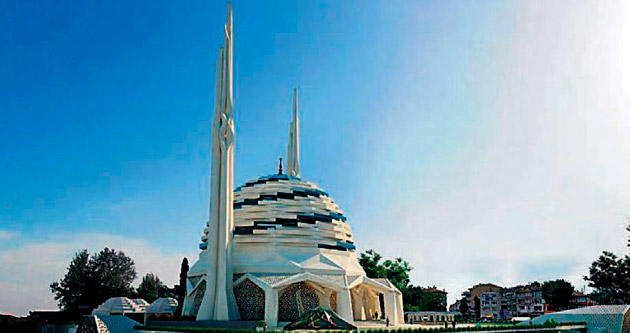 Türkiye'nin ilk çelik Camisi