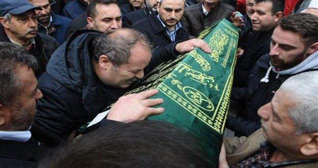 Abdullah Üngür, oğlunu gözyaşları ile uğurladı