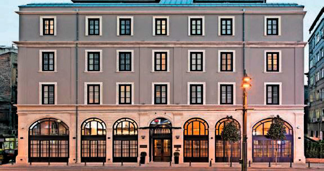 Tarihi bina otel oldu