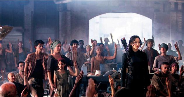 Katniss kanatlarını açıyor