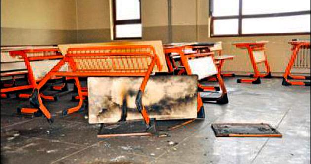 Siverek'te okulu ateşe verdiler