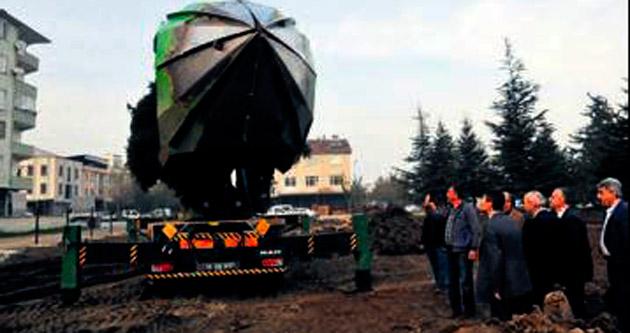 Sökülen 50 ağaç koruluğa dikildi