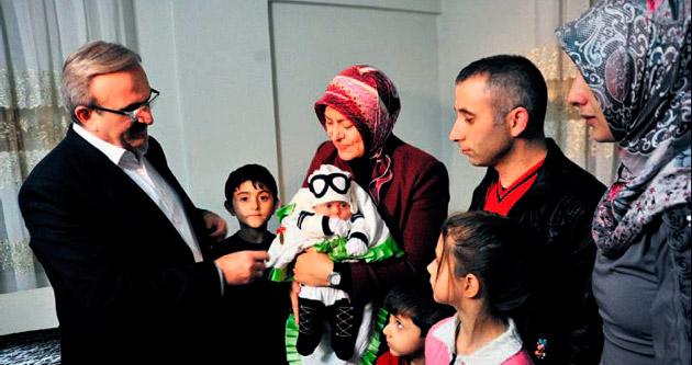Cumhurbaşkanı Erdoğan'dan minik adaşına altın