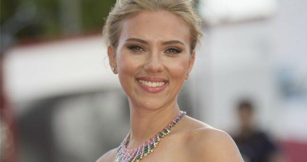Scarlett Johansson gizlice evlendi iddiası