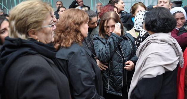 Selvi Kılıçdaroğlu, annesini gözyaşları ile uğurladı