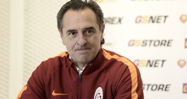 G.Saraylı futbolcular 'Prandelli bıraktı' zannetmiş