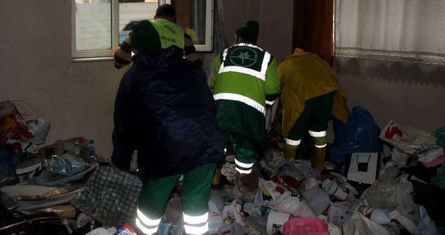 Bursa'da çöp ev operasyonu
