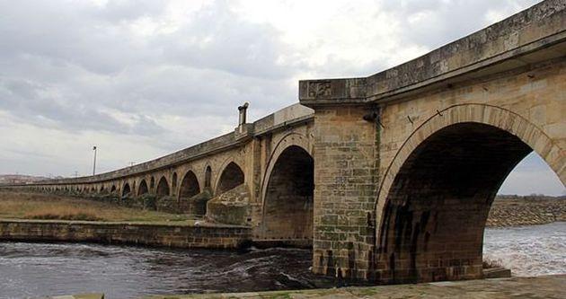 Tarihi taş köprü dünya mirası yolunda