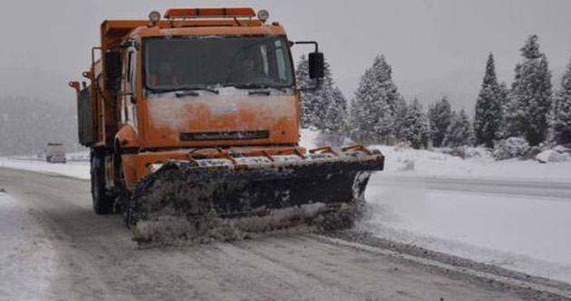 Kars'ta ulaşıma kar engeli