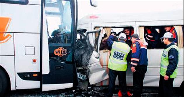 TEOG yolunda kaza: 2'si öğretmen 3 ölü