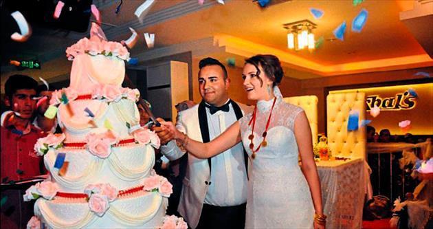 'Ankara usulü' düğünle evlendiler