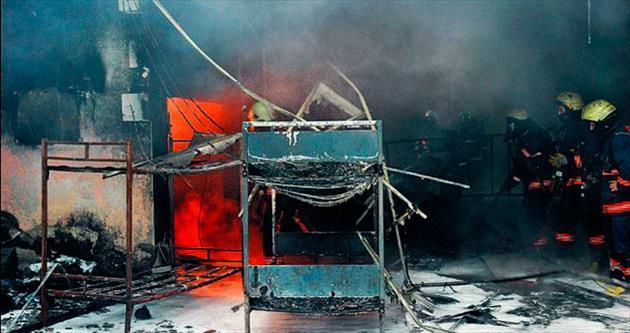 Topkapı yeraltı çarşısında korkutan yangın