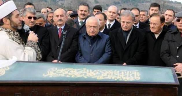 Erdoğan ve Davutoğlu cenazede niçin yoktu?