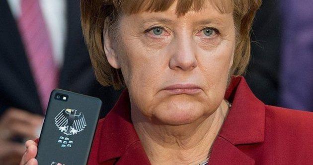 Angela Merkel'in telefonunu bakım kim üretecek!