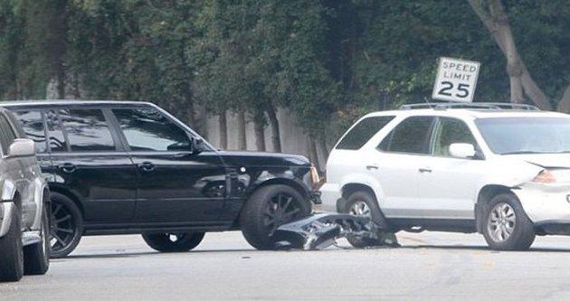 Beckham ve oğlu trafik kazası geçirdi!