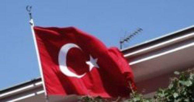 Türk Başkonsolosluğu'na saldırı!
