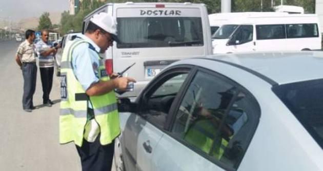 Zonguldak'ta trafik polisine park cezası kesildi