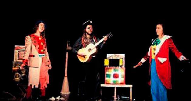 Çocuklara kuklalı müzikal oyunlar