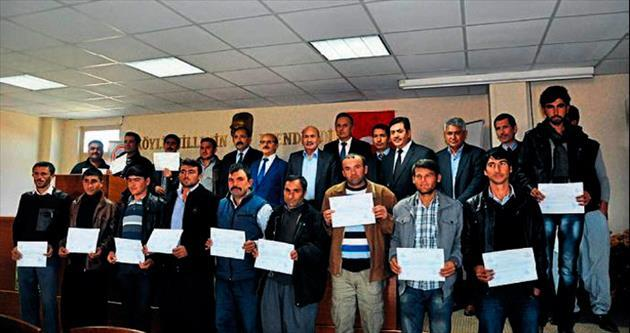 Tarsus'ta çobanlara törenle sertifika verildi