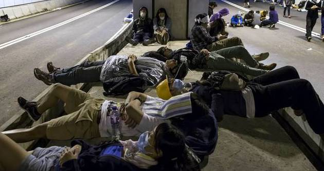 Hong Kong'da açlık grevine katılım artıyor