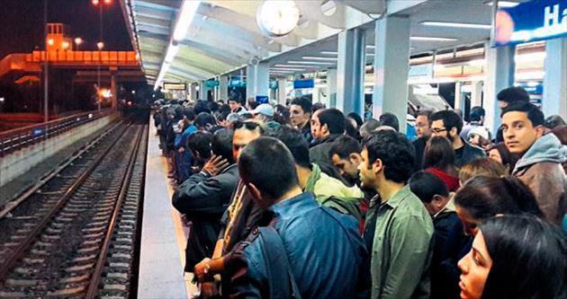 Metro arızası vatandaşı isyan ettirdi