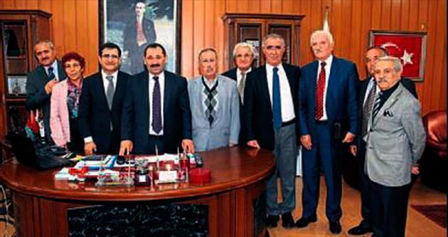 Demirel'e 'kültürel işbirliği' ziyareti