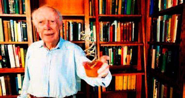 Ödülünü satan ilk Nobel sahibi
