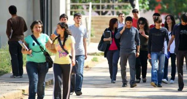 Üniversite öğrencisine geri ödemesiz 12 bin TL