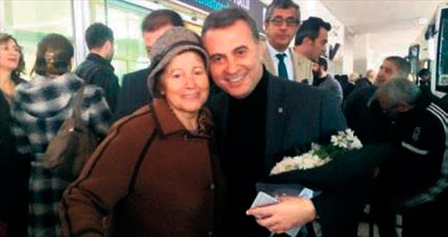 Başkan Orman annesiyle geldi