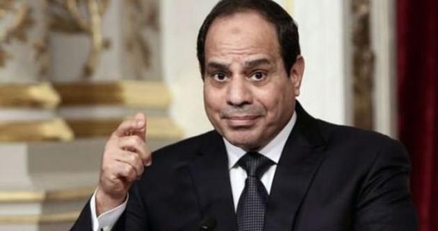 İngiltere Mısır'ı askıya aldı