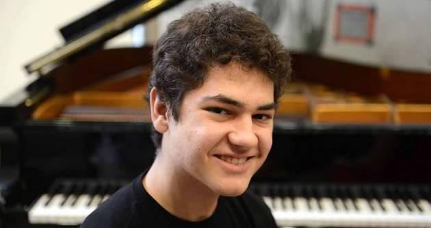 Dahi piyanist Türk vatandaşı oldu