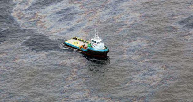 Bangladeş'te petrol tankeri battı