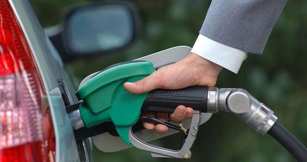 Araç zengini ABD dünyanın benzinini tüketiyor