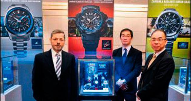Casio'dan dünyanın ilk hibrit saati