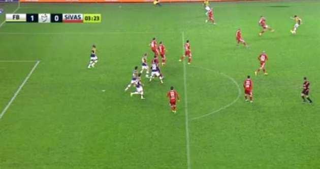Fenerbahçe'nin golünde büyük tartışma