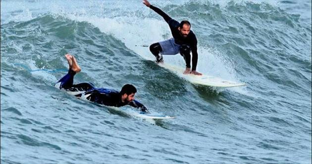 Gazze'de sörf zamanı