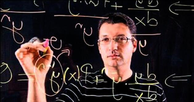 'Matematikten anlamıyor' denilen çocuk, şimdi gençlere ders veriyor
