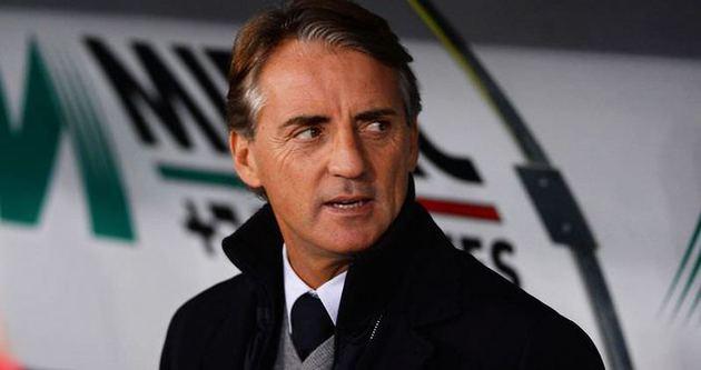 Mancini ilk galibiyetini aldı
