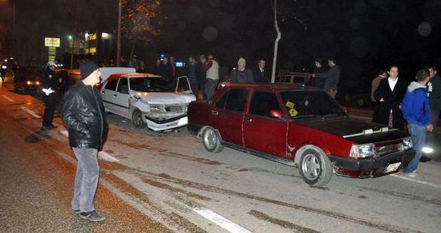 Asker konvoyunda 7 araç birbirine girdi