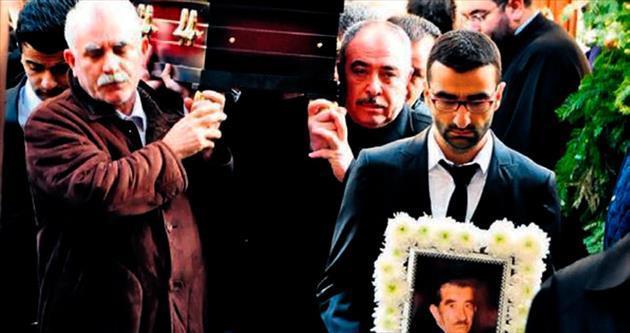 Nüfusunda İslam yazıyor cenazesi kiliseden kalktı