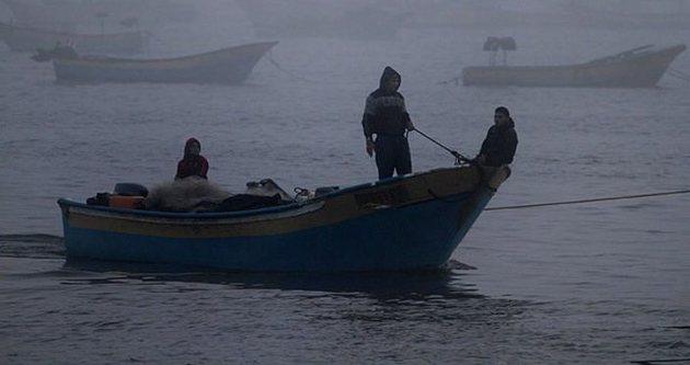 İsrail Filistinli balıkçıları vurdu