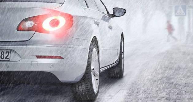 Kış lastiği kullanmayan sürücülere 519 TL ceza