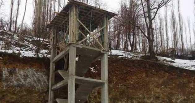 Yol çilesine 4 katlı merdivenli çözüm