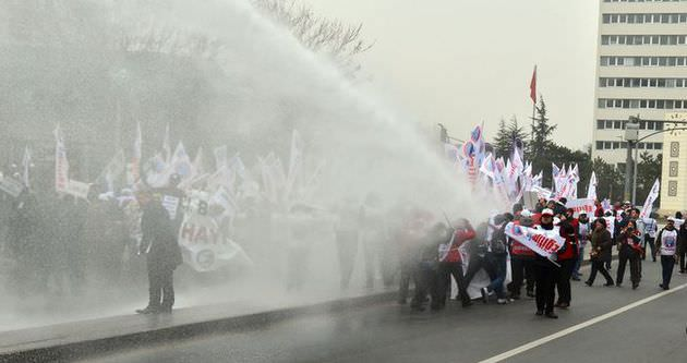 Ankara'daki eyleme müdahale!