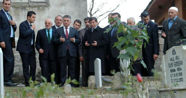 Davutoğlu'dan Erdoğan'ın ecdadına dua!