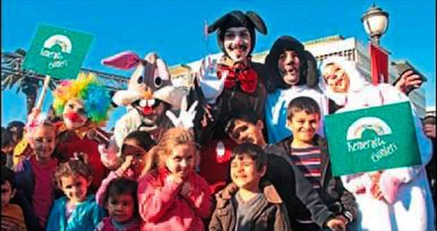 Kemeraltı Çarşısı'nda festival renkli başladı