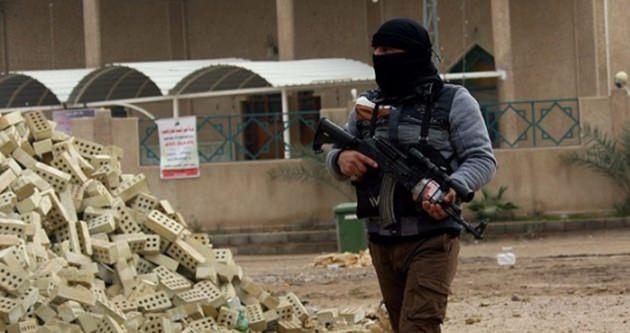 IŞİD Irak'ta okula saldırdı