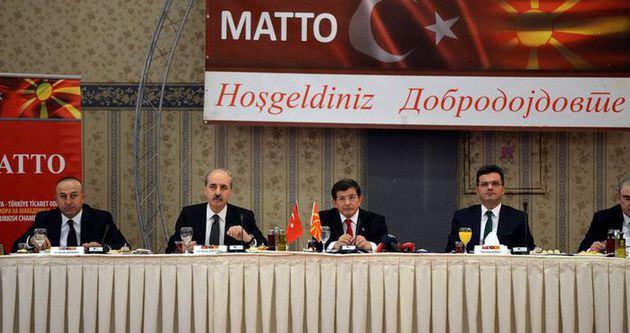 Çavuşoğlu Makedonyalı mevkidaşı ile görüştü